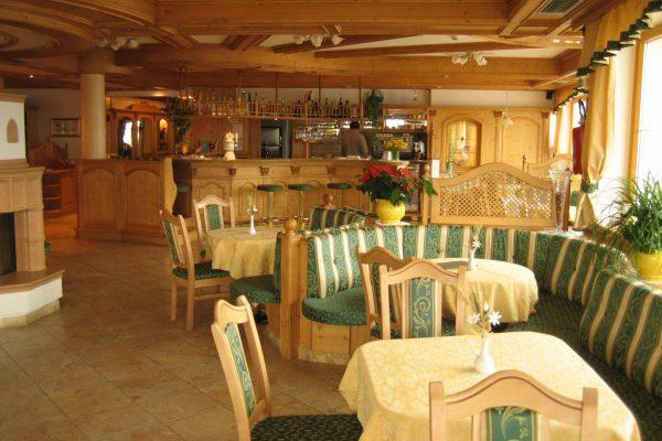 hotel Lagorai-bar-3