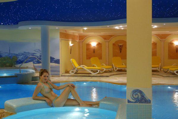 hotel Lagorai-bazén